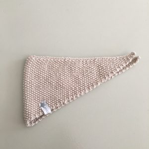 erbsünde halstuch gestrickt babytuch sabbertuch spucktuch handmade