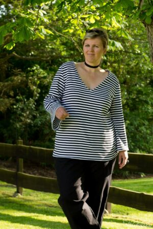ebook_Schnittmuster_Dona Estrela_Curvy_Plus Size_Damen_Oberteil_Shirt_Top_erbsuende_22